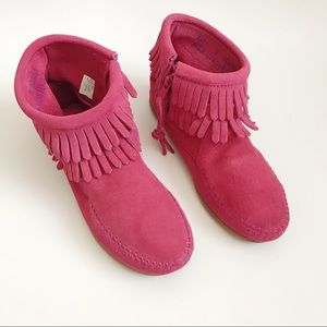 Minnetonka || Leather Fringe Moccasins Size 1